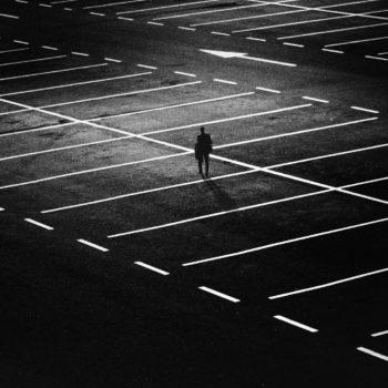 Czy na parkingu w Modlinie faktycznie jest najtaniej?