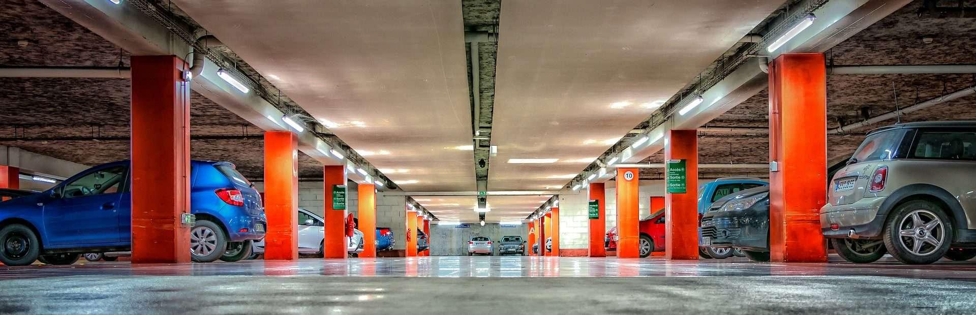 Parking lotnisko Modlin od kuchni